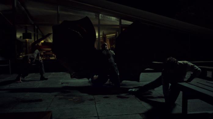 Red Dragon muore dopo una lunga lotta contro Will e Hannibal