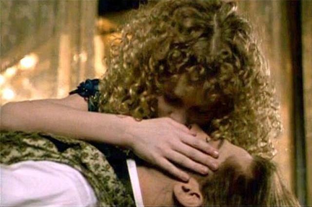 bacio Brad Pitt Kirsten Dust