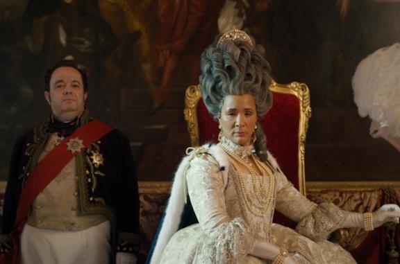 La Regina Charlotte in una scena di Bridgerton