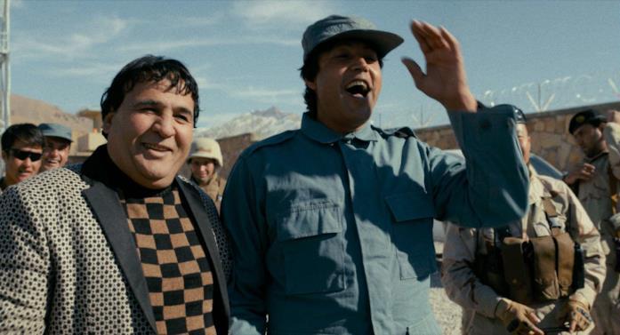 Salim Shaheen e uno dei suoi attori ricorrenti girano una sequenza di un film