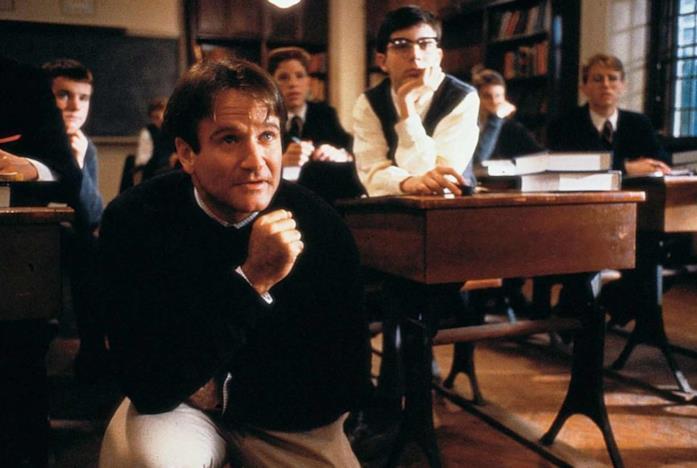 Robin Williams nel film L'attimo fuggente