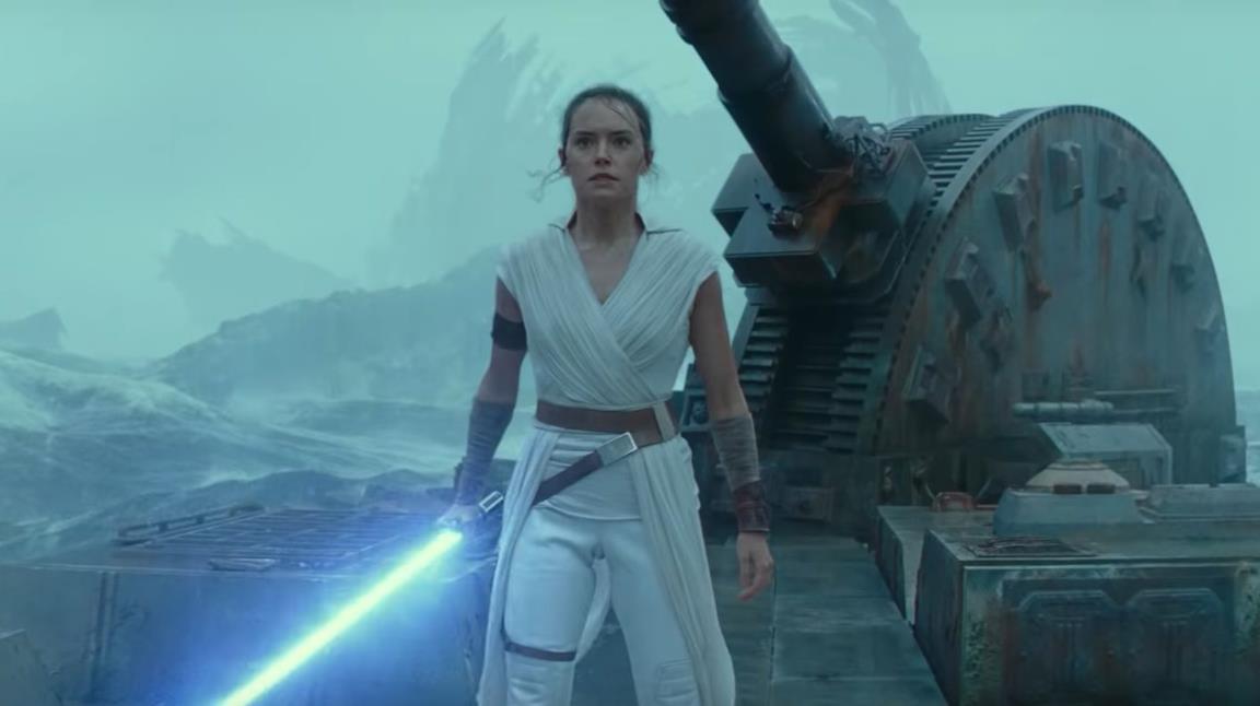 Rey con la spada laser blu in mano