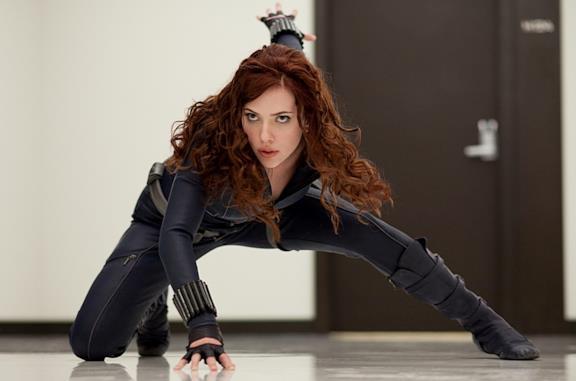 Scarlett Johansson in una scena di Iron Man 2