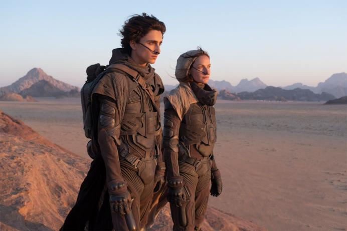 Timothée Chalamet e Rebecca Ferguson coi costumi di scena su Arrakis