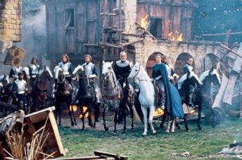 Richard Gere, Sean Connery e Julia Ormond in una scena del film Il primo cavaliere