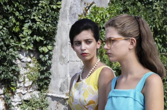 Gaia Girace e Margherita Mazzucco ne L'Amica Geniale 2