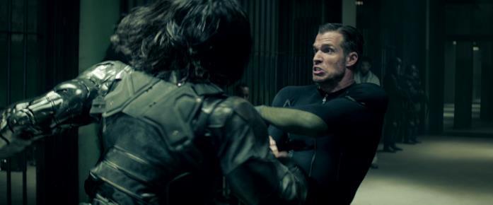 Bucky si batte con un Soldato d'Inverno in Captain America: Civil War