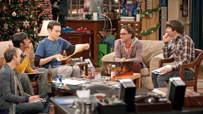 Sheldon e i suoi amici giocano durante le feste di Natale