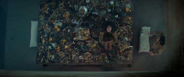 Alexandra Masangkay in una scena del film Il buco