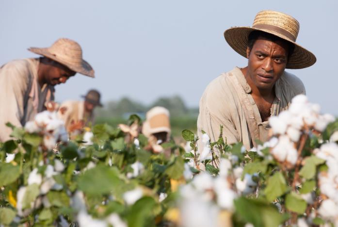 Una immagine di 12 anni schiavo