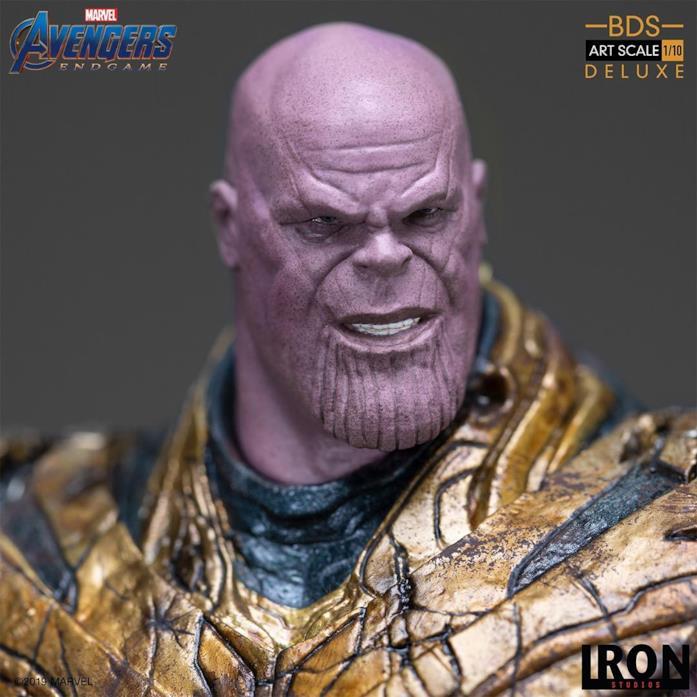 Primo piano della statua da collezione di Thanos di Iron Studios