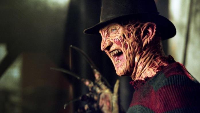 Un'immagine che ritrae Robert Englund nei panni di Freddy Krueger in Nightmare - Dal profondo della notte