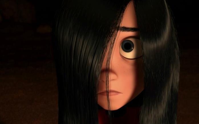 Il volto di Violetta Parr nascosto dalla sua lunga chioma nera