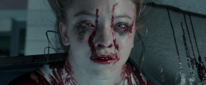 Juliet coperta di sangue