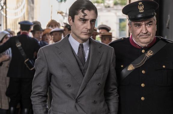 Il Commissario Ricciardi: ci sarà una seconda stagione della serie (ma senza nuovi romanzi)