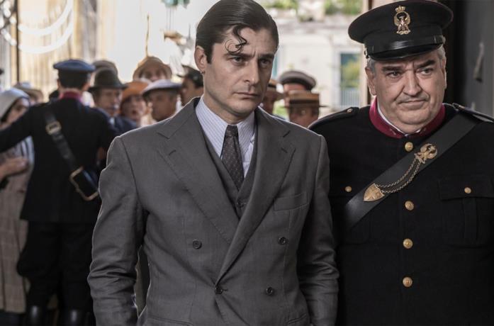 Lino Guanciale ne Il Commissario Ricciardi
