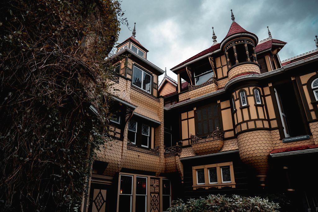 Uno scorcio della Winchester Mystery House