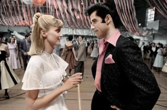 Sandy e Danny in una scena di Grease