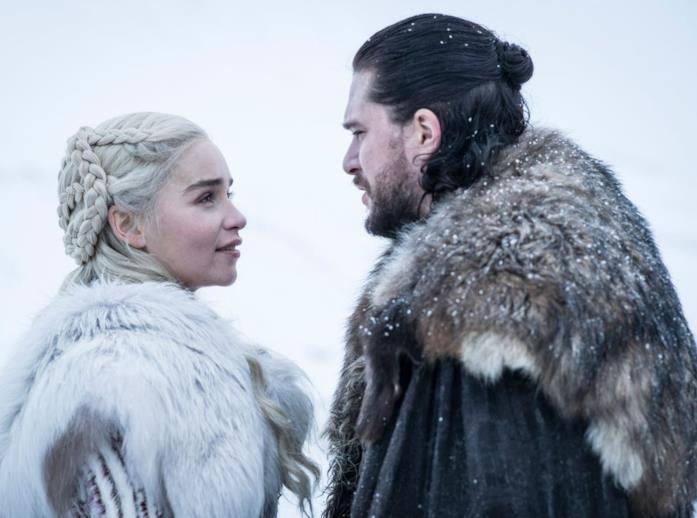 Daenerys e Jon in Game of Thrones 8