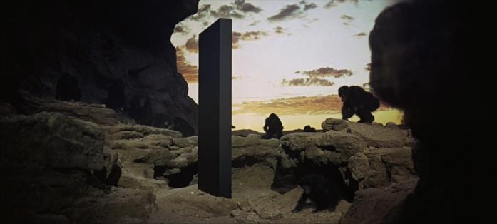 Il monolite comparso sulla Terrà all'alba dell'umanità