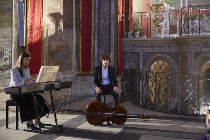 Emma e Sebastiano durante le prove del concerto