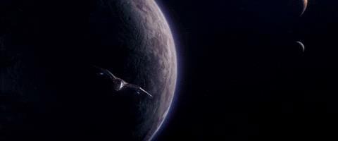 Alcuni degli Avengers, Rocket e Carol Danvers in volo nello spazio