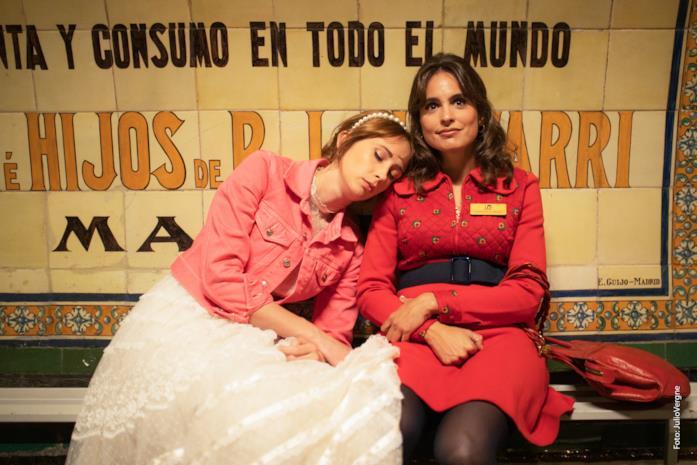 Maria si addormenta sulla spalla di Rosa