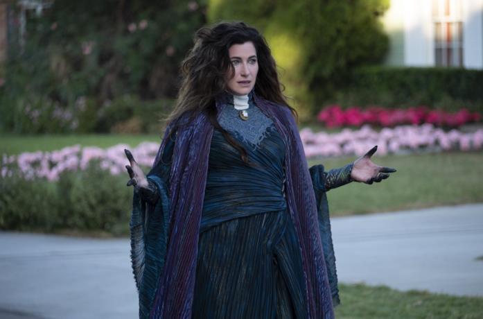 Agatha Harkness in una scena di WandaVision