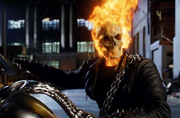 Un'immagine di Ghost Rider nel film del 2007