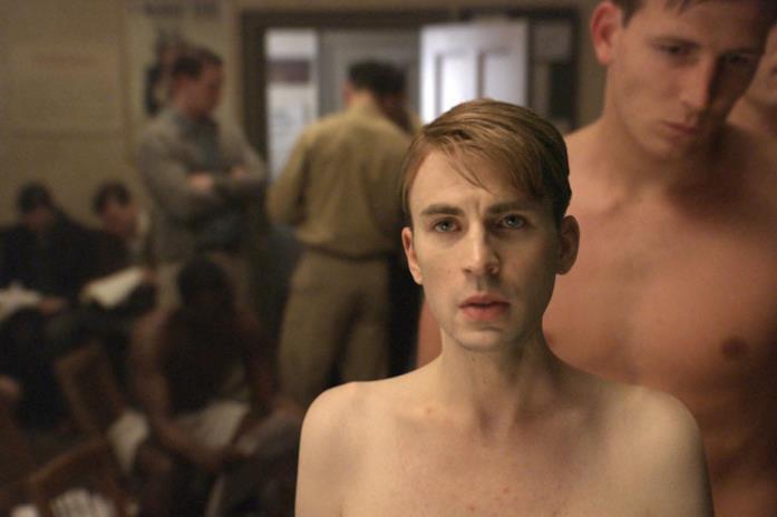 Skinny Steve in una scena di Captain America