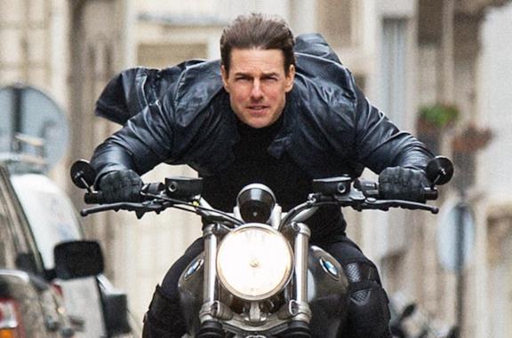 Cosa sta succedendo con i Golden Globes e perché NBC e Tom Cruise li boicottano