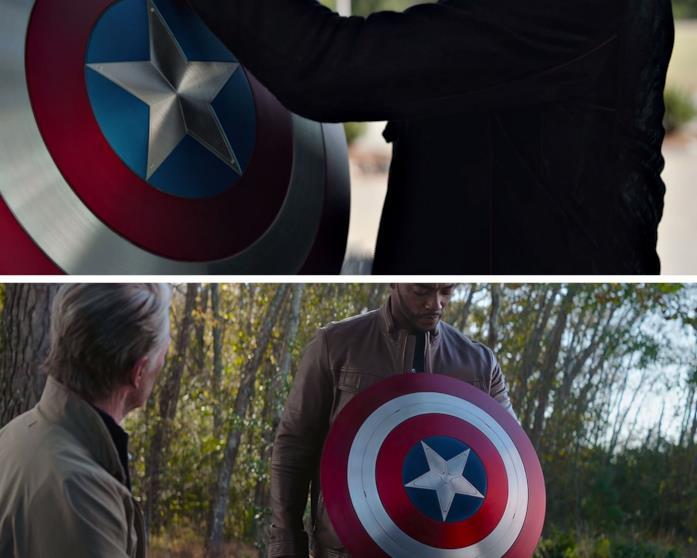 Lo scudo di Cap in mano a Tony Stark e a Sam Wilson
