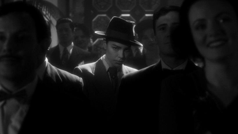 Chloe Decker nell'episodio noir di Lucifer
