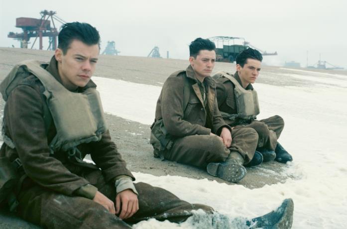 Harry Styles, Fionn Whitehead e Aneurin Barnard in Dunkirk