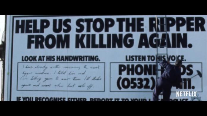 Un cartello con cui le forze dell'ordine invitano i cittadini a contribuire alla caccia del criminale chiamato Lo Squartatore dello Yorkshire