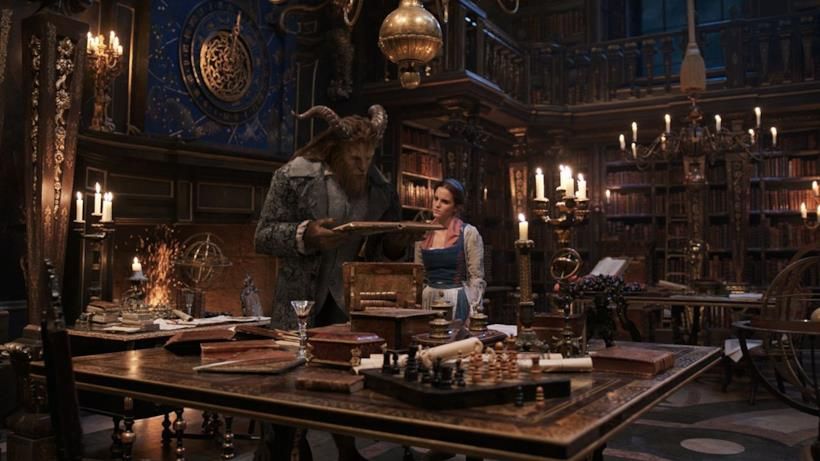 La Bella e La Bestia, in biblioteca
