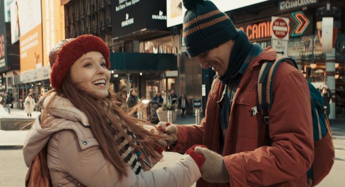 Diario segreto di un viaggio a New York, i protagonisti del film commedia di Netflix