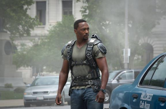 Anthony Mackie nei panni di Falcon nel Marvel Cinematic Universe