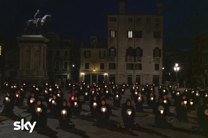 The New Pope, scena al buio