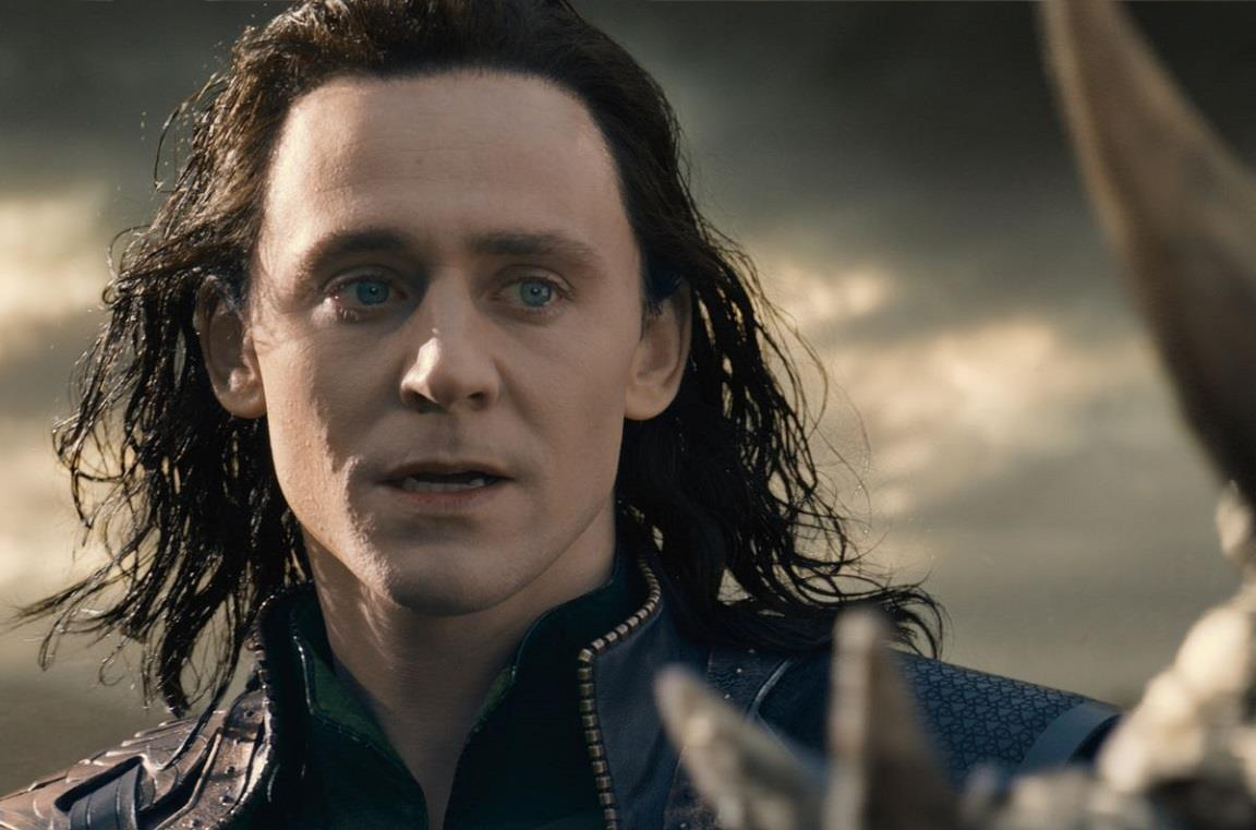 L'attore Tom Hiddleston nei panni di Loki
