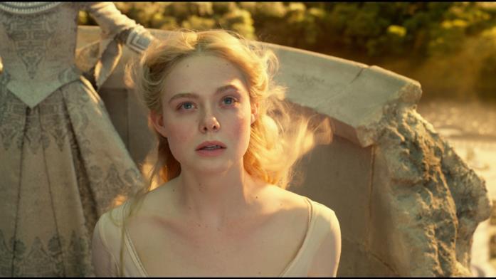 Elle Fanning torna ad essere Aurora