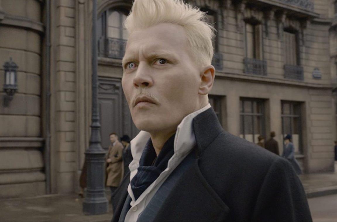Grimdelwald interpretato da Johnny Depp