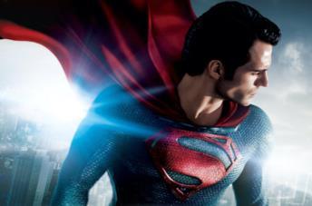 Henry Cavill è Superman in una immagine promozionale di Man of Steel