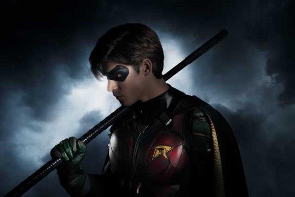 Titans: la prima immagine di Brenton Thwaites nei panni di Robin