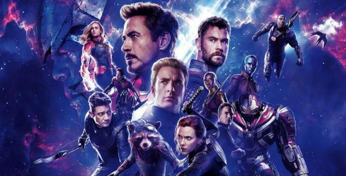Gli eroi sopravvissuti e Thanos nel poster di Avengers: Endgame