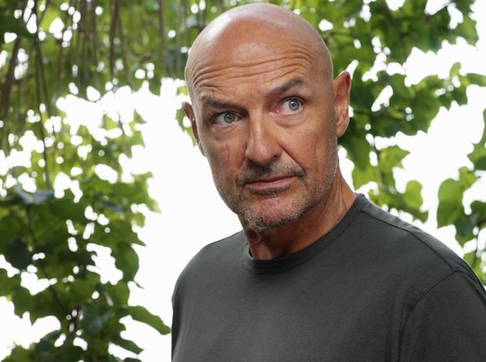 John Locke in una scena di Lost