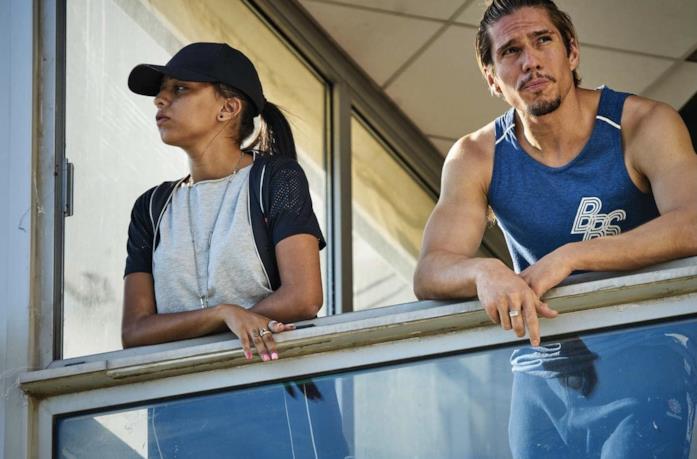Kenza Fortas e François Civil in una scena del film BAC Nord