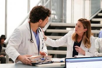 DeLuca e Meredith in una scena di Grey's Anatomy 16
