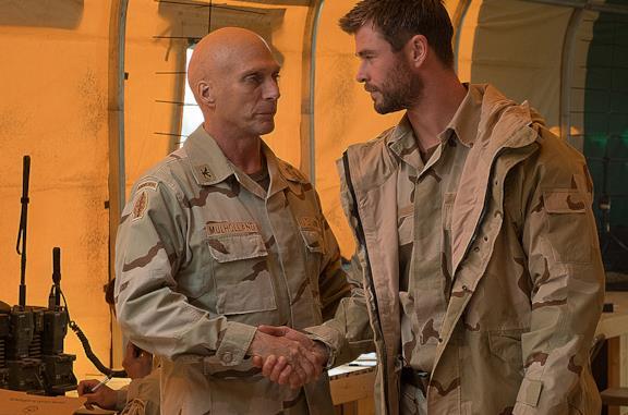 12 Soldiers: la trama del film con Chris Hemsworth e la storia vera a cui si ispira