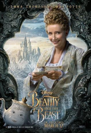 Emma Thompson interpreta Mrs. Potts nel poster de La Bella e la Bestia